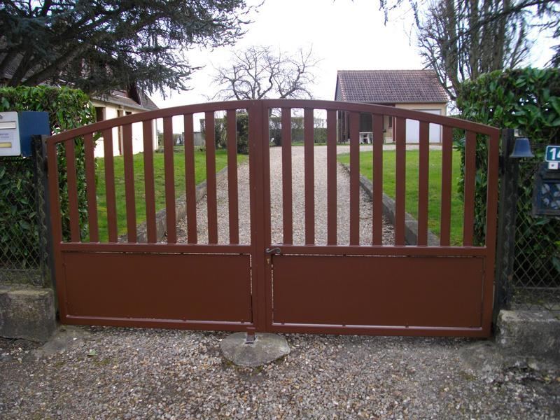 Portail m tallique le val gant cr ation for Petit portail exterieur