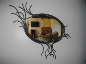 miroir ovale métal existe en version ronde