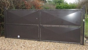 portail métallique simple