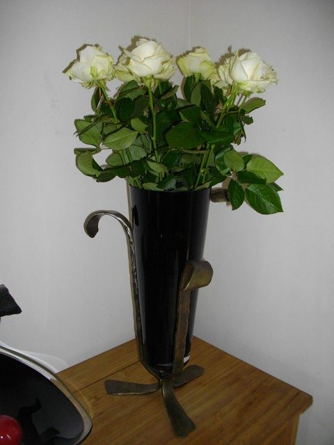 VASE ROSES BLANCHES0007